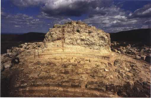Vestiges du tombeau de Beni Rhenane (Siga-Tachembrit)